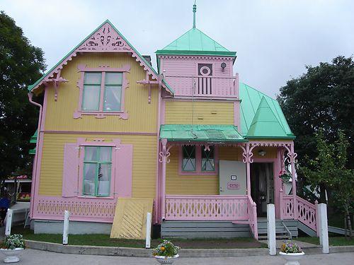 Villa Kakelbont Poppenhuis.Villa Kakelbont Zijaanzicht Pippi Langkous House En