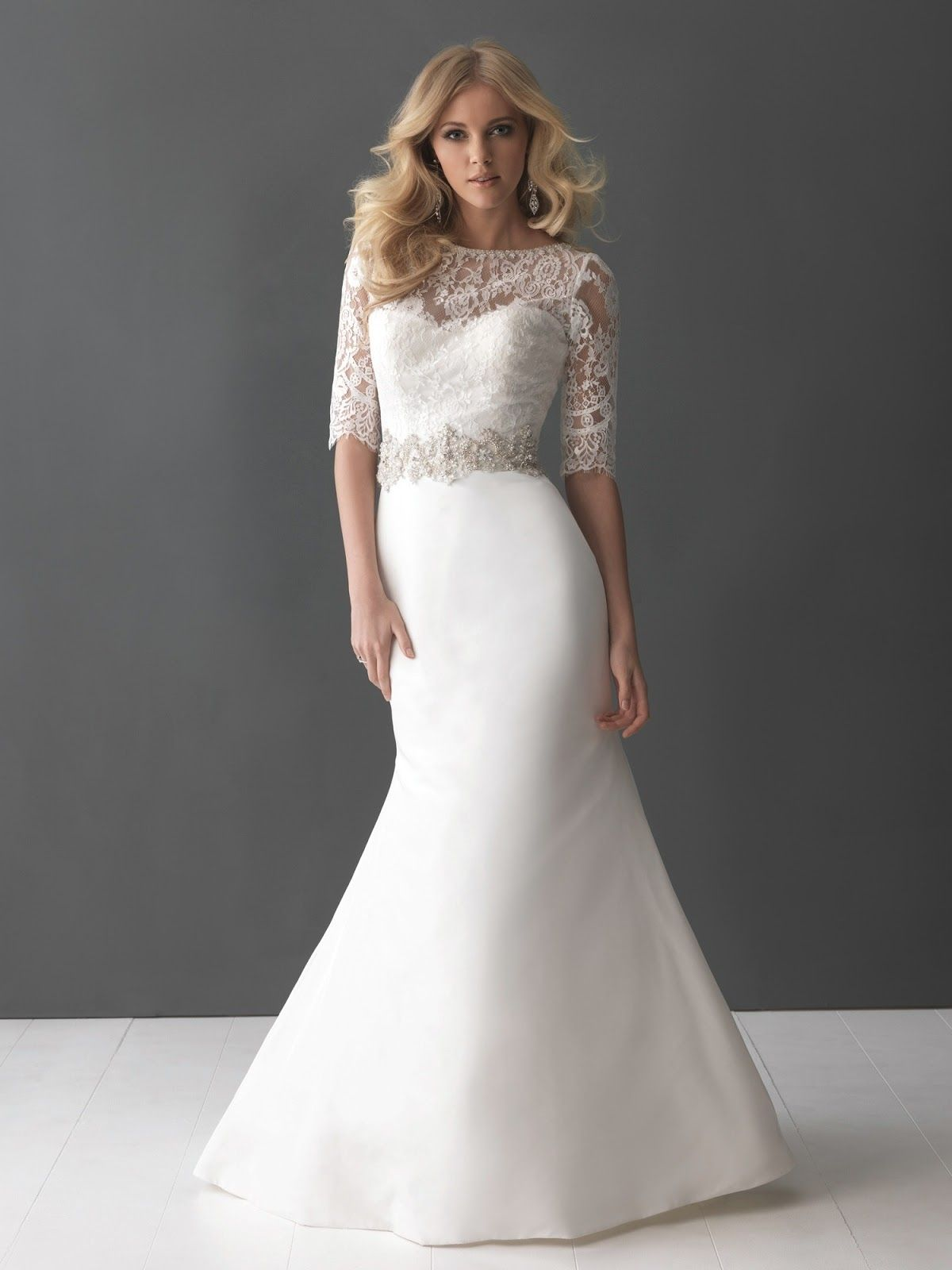 Best Wedding Dress Styles For Short Curvy Brides