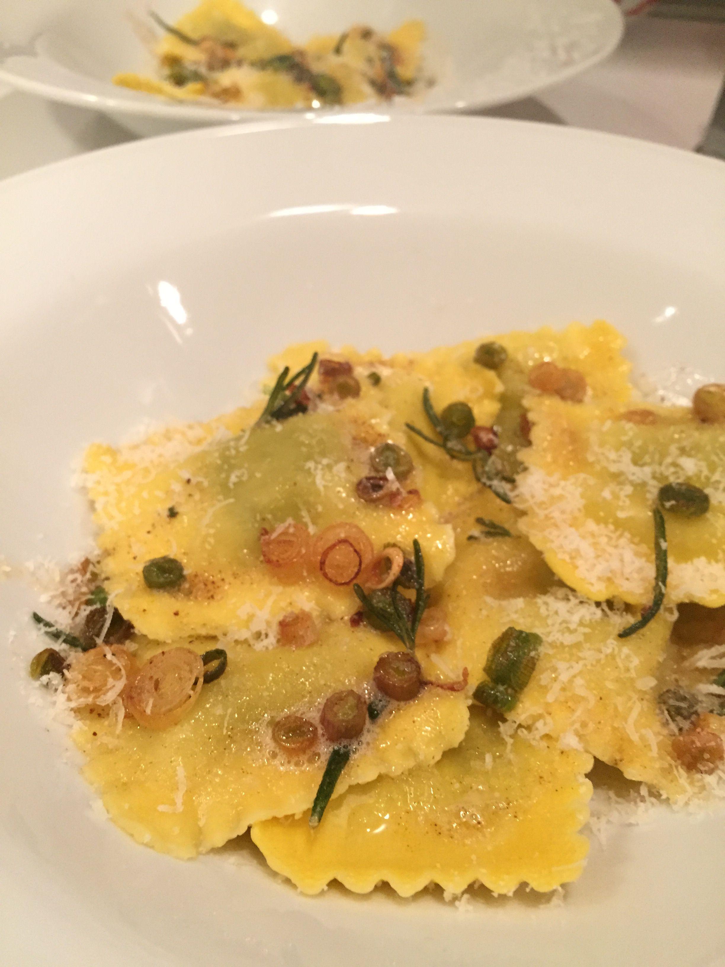 RAVIOLES A LA MANTEQUILLA Y AJO FRESCO #pasta #ravioles #recetafacil #easyrecipe