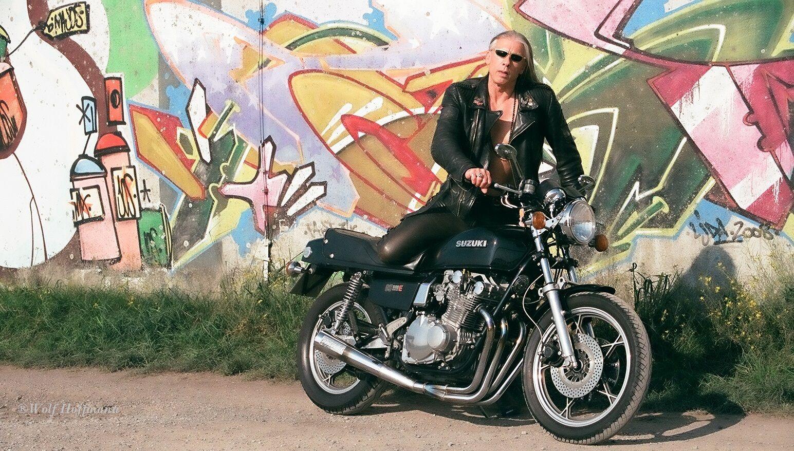 #Model #leather #shooting # #Leatherclothes #motorcycleclothing #Leisurewear #fashion #fashionweek  #lifstyle #mensfashion #bike #motorcyle #artphotography