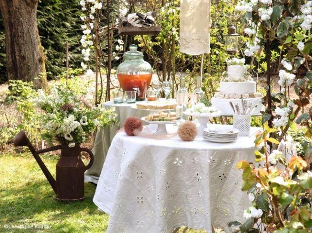 Decoration salle de mariage champetre arrosoir  Romantic, Chic ...