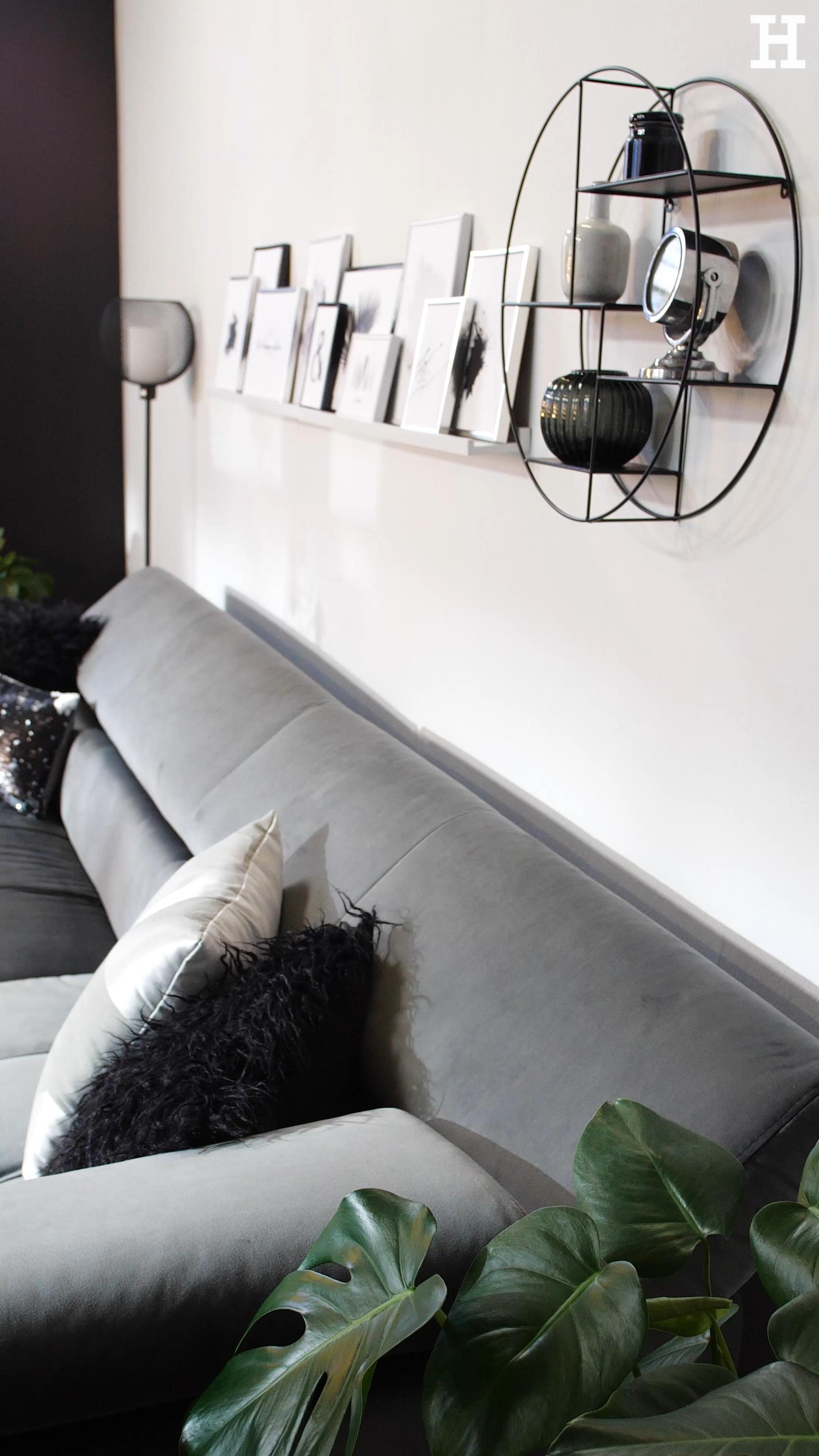 Passende Leuchten zaubern eine stimmungsvolle Atmosphäre in deinem Wohnzimmer