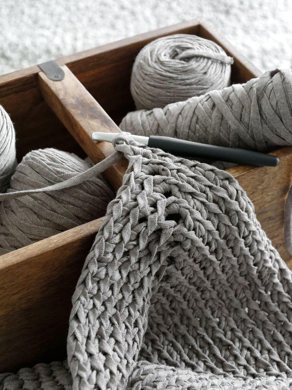Photo of DIY | gehäkelter teppich aus textilgarn – mxliving