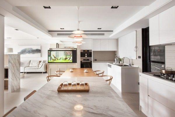 Stadt Weiß Und Schwarz Modern Apartment Interior Design: Helle, Weiße Küche  Mit