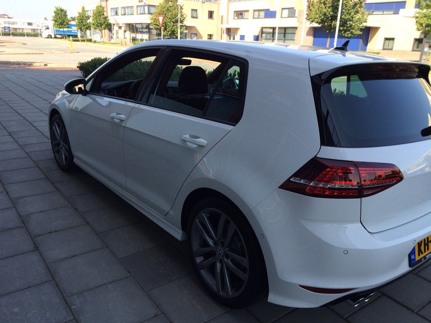 volkswagen golf vii r line 18 inch salvador. Black Bedroom Furniture Sets. Home Design Ideas