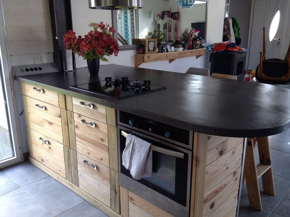notre cuisine en bois de palette, plan de travail en beton ciré - Table De Cuisine Avec Plan De Travail