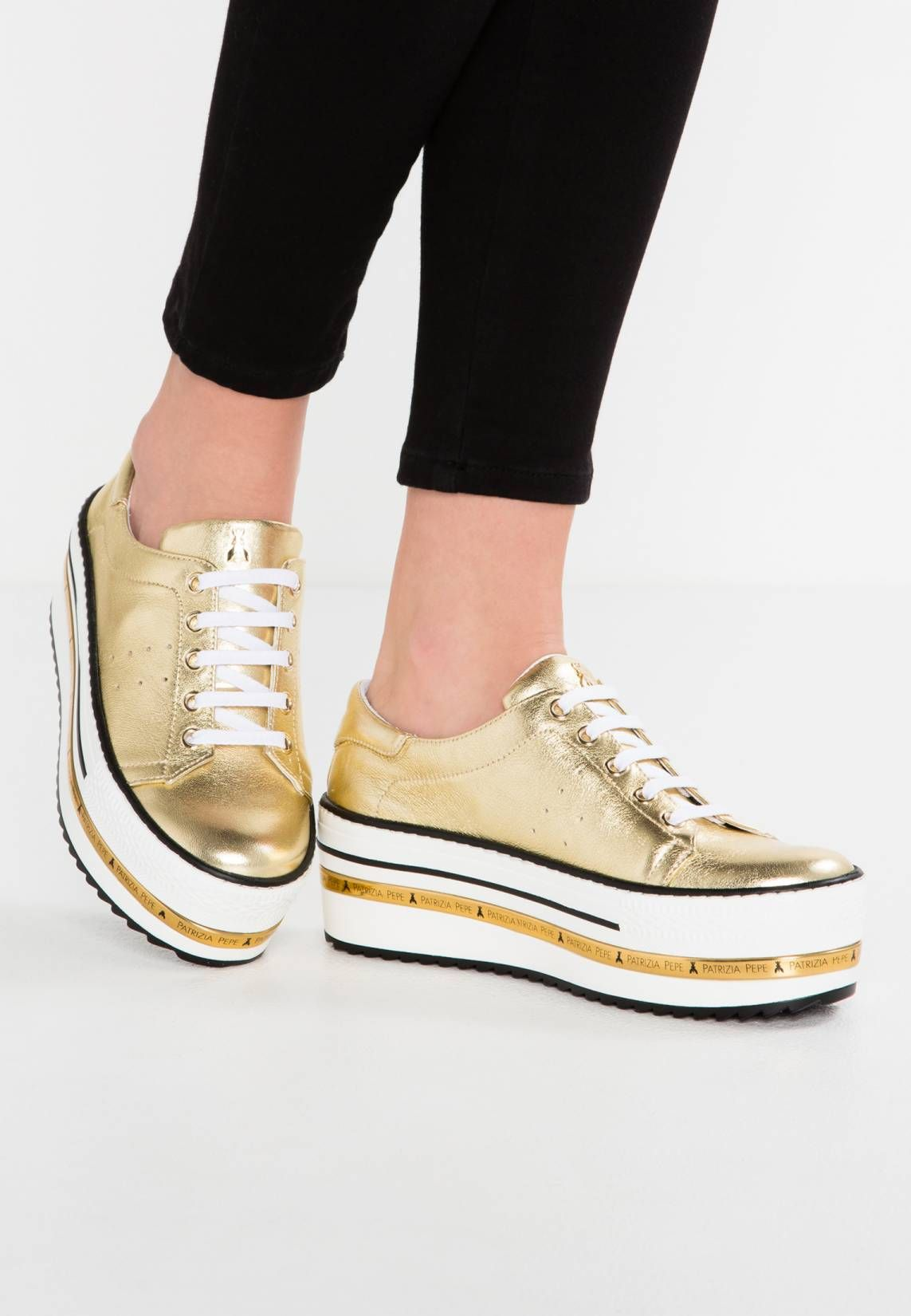f3c169f5cb772c Trainers - gold. upper material leather. shoe toecap open. shoe fastener