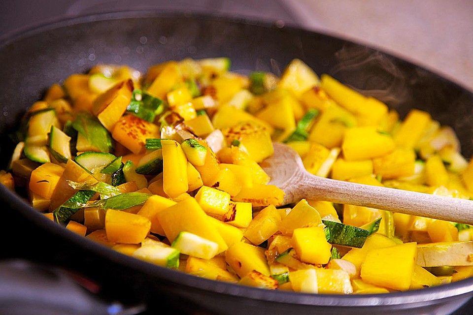 Nudeln mit Butternut- oder Hokkaido-Kürbis Hokkaido and Food - kürbissuppe rezept chefkoch