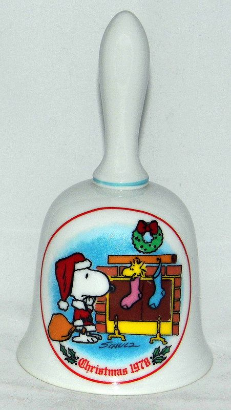 Vintage 1978 Peanuts Christmas Bell By Schmid With Snoopy Woodstock Made In Japan