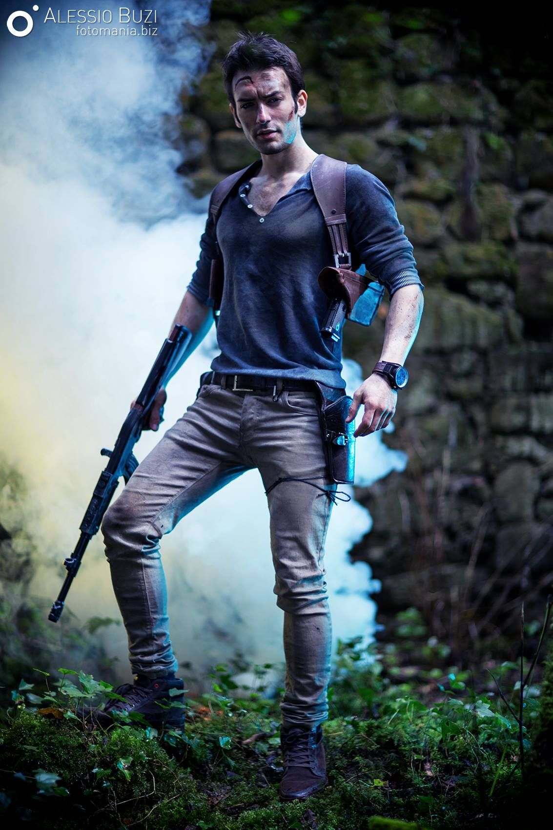 alessio buzi as nathan drake from uncharted cosplay