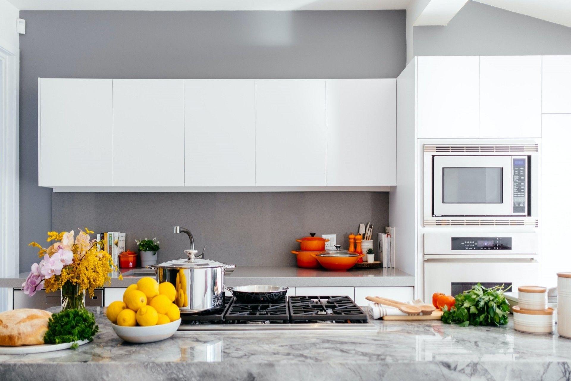 Affordable Kitchen Remodelling Las Vegas In 2020 Kitchen Cabinets Kitchen Remodeling Contractors Modern Kitchen Design