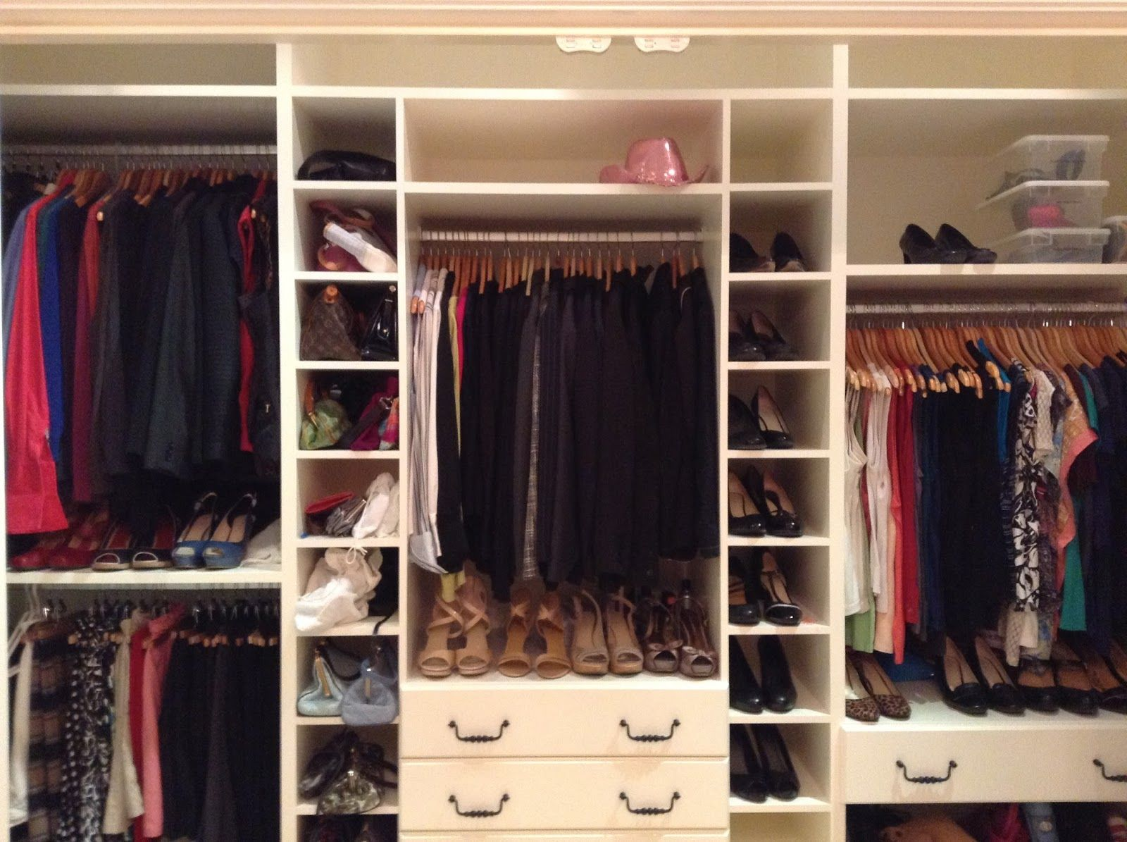 Walk In Closet: Great Picture Of Bedroom Closet And Storage ...