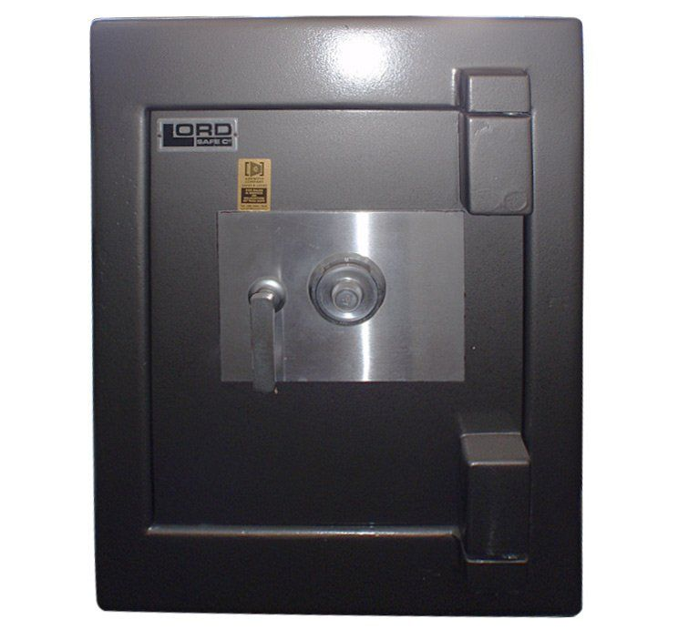 This Second Hand Safe Looks Like It Would Be Very Secure I Like How The Keypad Is Put Into A Second Layer Of Metal To Keep It Secu Fire Safe Safe Company