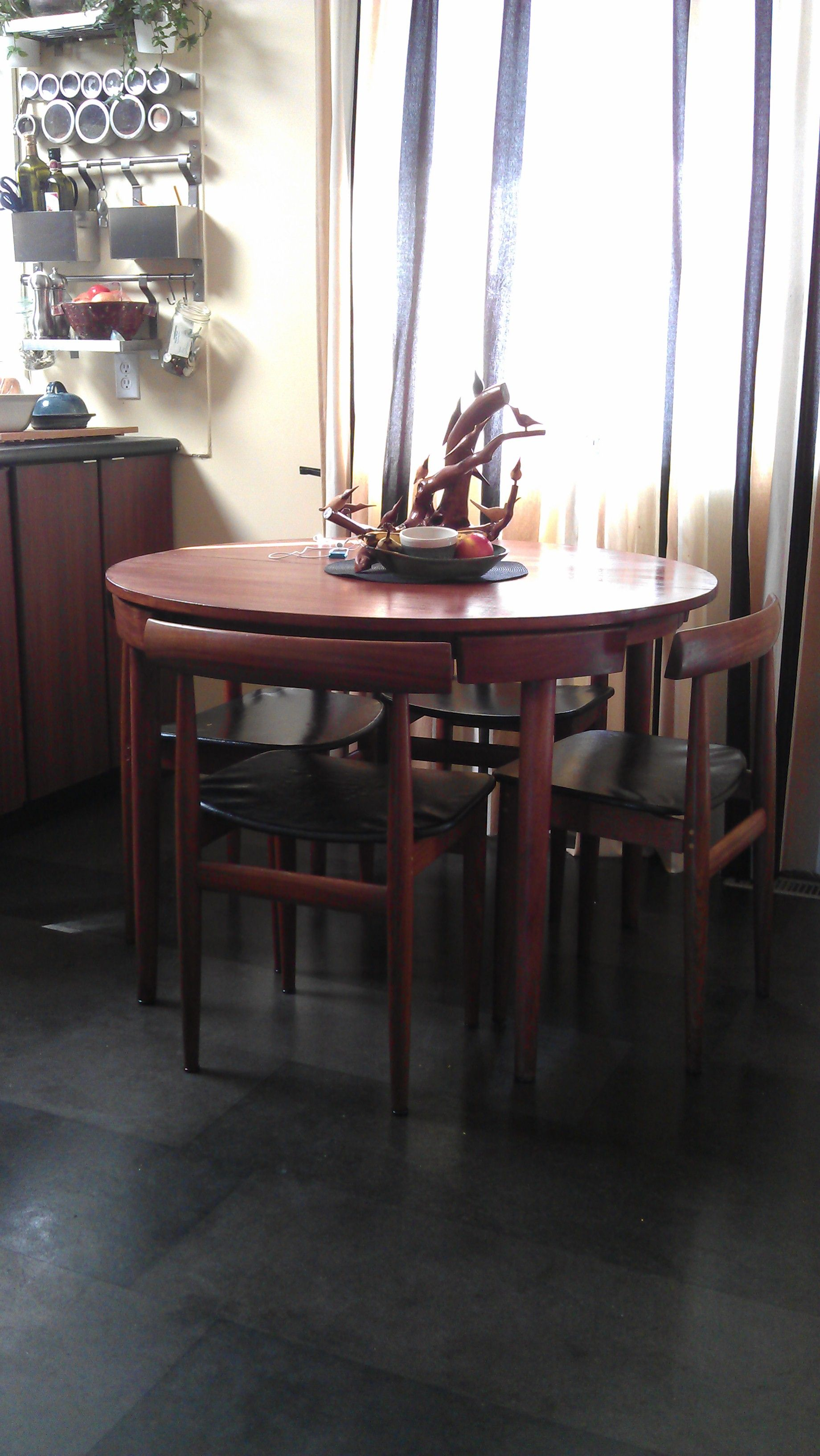 my amazing find: Hans Olsen/Frem Rojle table and chairs, paid $20 ...