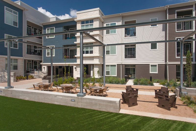 Lakeshore Pearl Photo Gallery Austin Tx Apartments Apartment House Styles Mansions