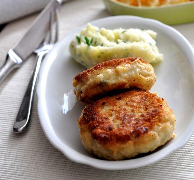 Рецепт с пошаговыми фото. Котлеты из рыбы минтай с зеленым ...