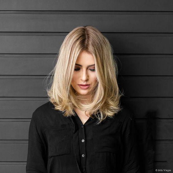Nette einfache Frisuren für schulterlanges Haar