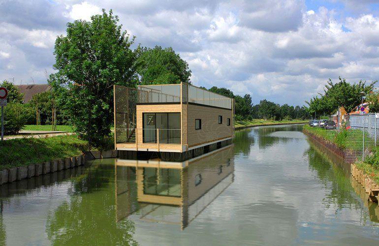 aquapartement 50 m aquashell maison bateau pinterest maison flottante maison bateau et. Black Bedroom Furniture Sets. Home Design Ideas