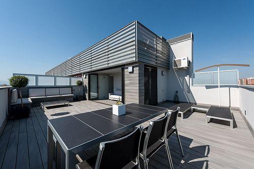Vista general terraza | Proyecto de reforma Esplugues | Standal #reforma #integral #terrazas #exteriores #ático #madera