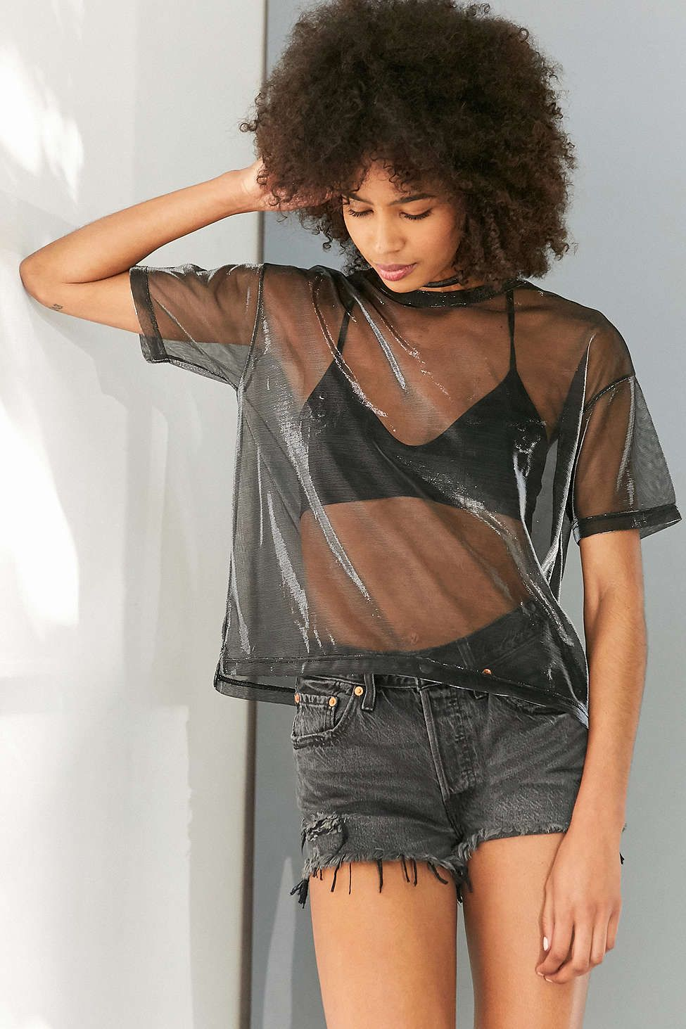Levis 501 Frayed Denim Short Washed Black Urban Outfitters Moda Urbana Moda Gitana Moda Para Mujer