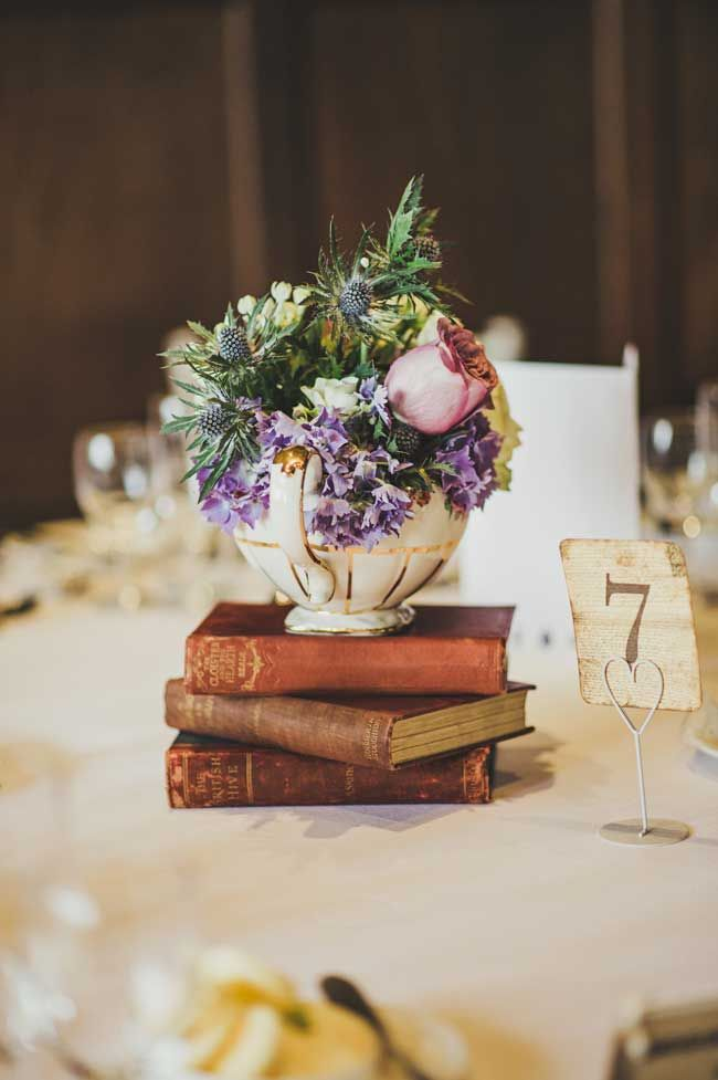 8 inspirational table centre ideas for spring and summer for Summer wedding centerpieces