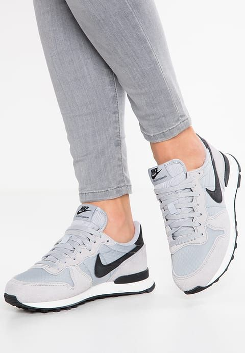 Nike Sportswear INTERNATIONALIST - Sneaker low - wolf grey black summit  white - Zalando.de 0b8299548