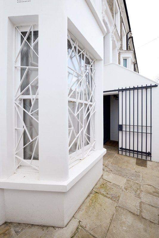 Calepinage de grilles Contraste Maison londonienne lslarchitects - Peinture Porte Et Fenetre