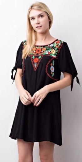 092ff8afb5261 Viva la Mexico - Floral Embroidered Traditional Mexican Style Dress - Black