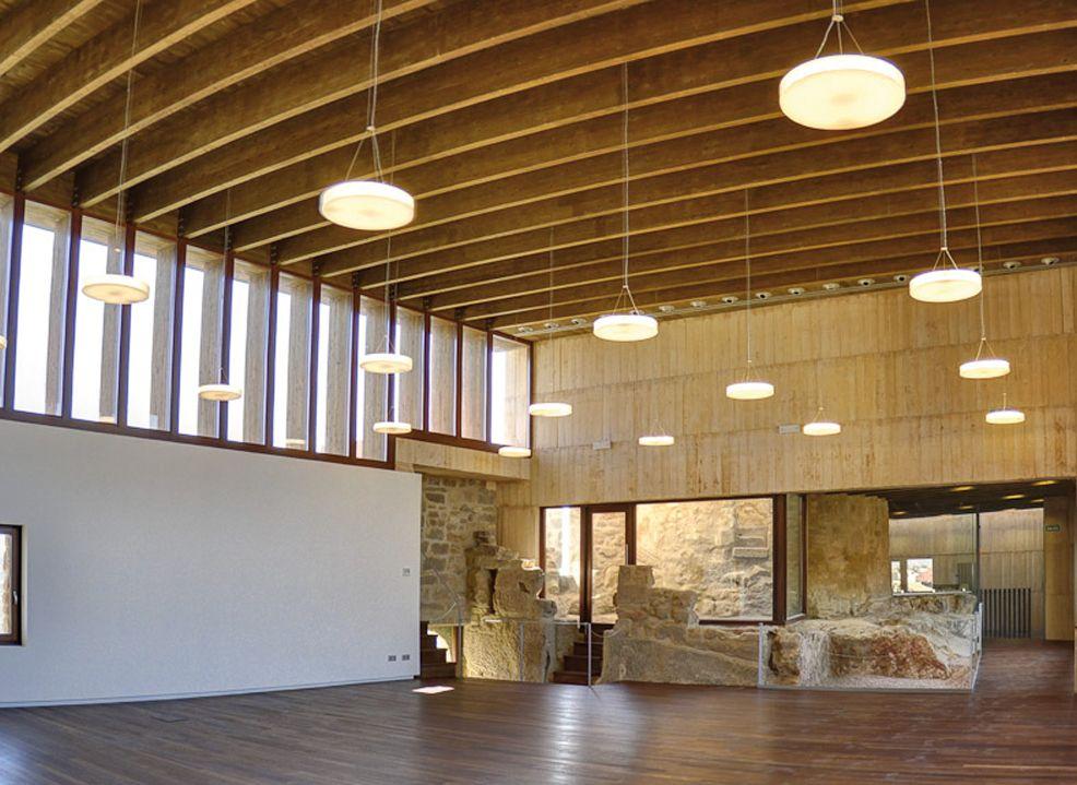 Salon del compromiso del castillo de caspe disc light by - Ideas iluminacion salon ...