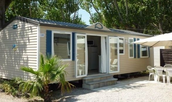 Mobile Home Lets Private Caravan Hire Static Caravans For Rent French Caravan Holidays Uk Caravans For Rental Mob Holiday Home Caravan Holiday Mobile Home