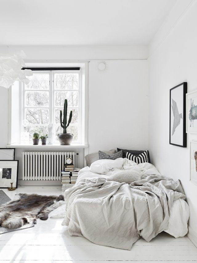 Friday Finds 白いベッドルーム ベッドルームのアイデア 海外インテリア ベッドルーム