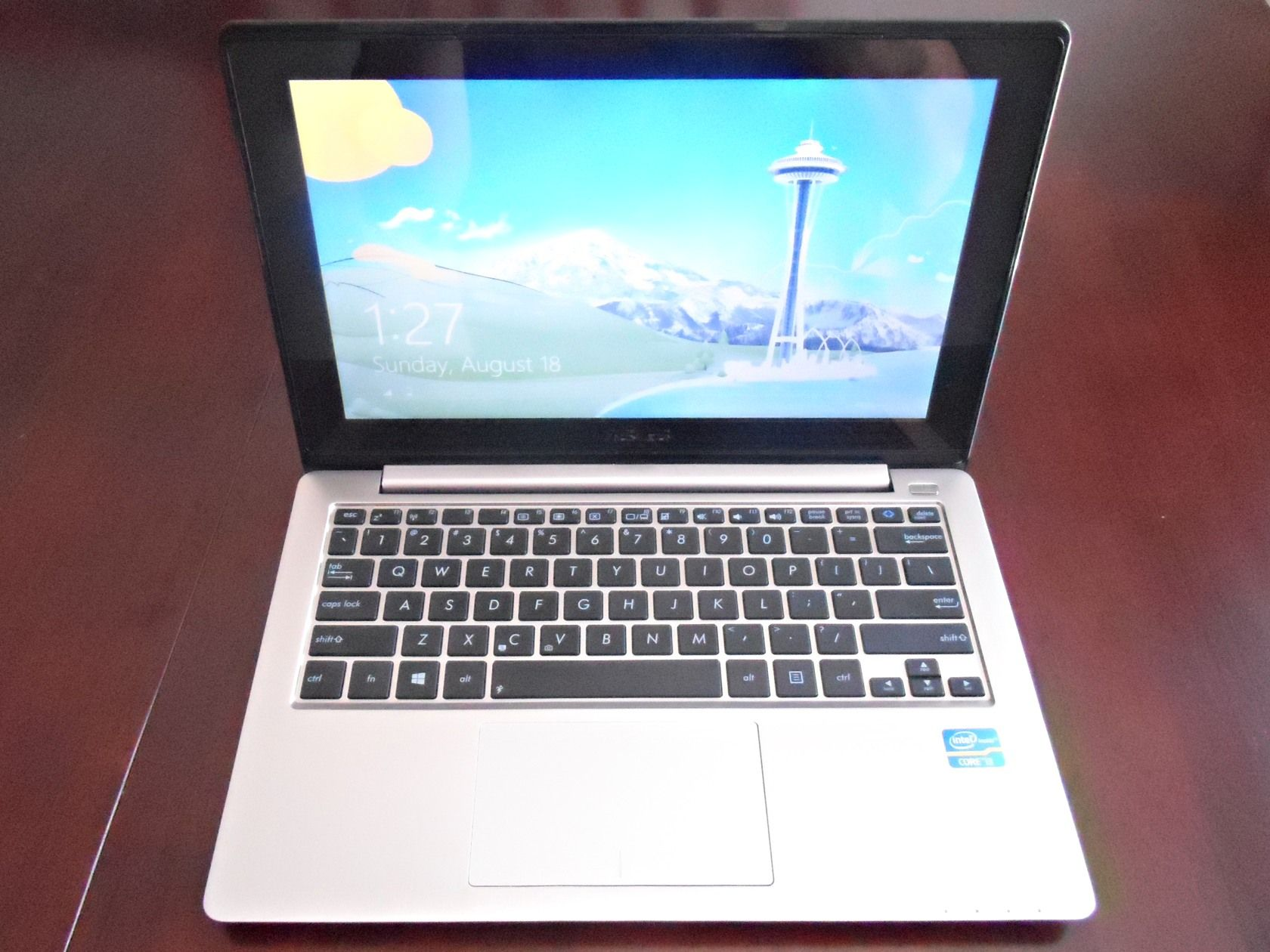 Asus Vivobook X202e Windows 8 Touchscreen Laptop Review And Giveaway Laptop Asus Touch Screen