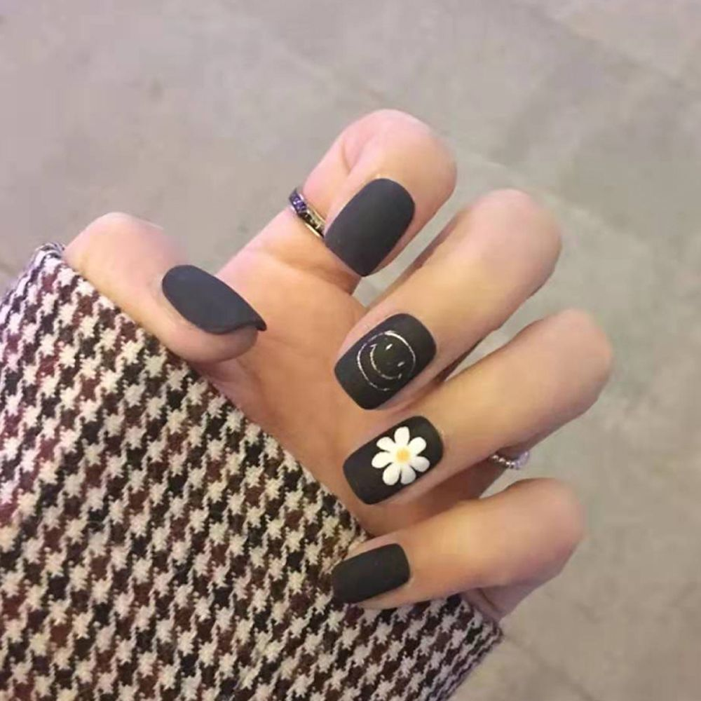 2020 New Smiley Little Daisy Pattern Nail Art In 2020 Black Acrylic Nail Designs Black Acrylic Nails Black Nail Designs