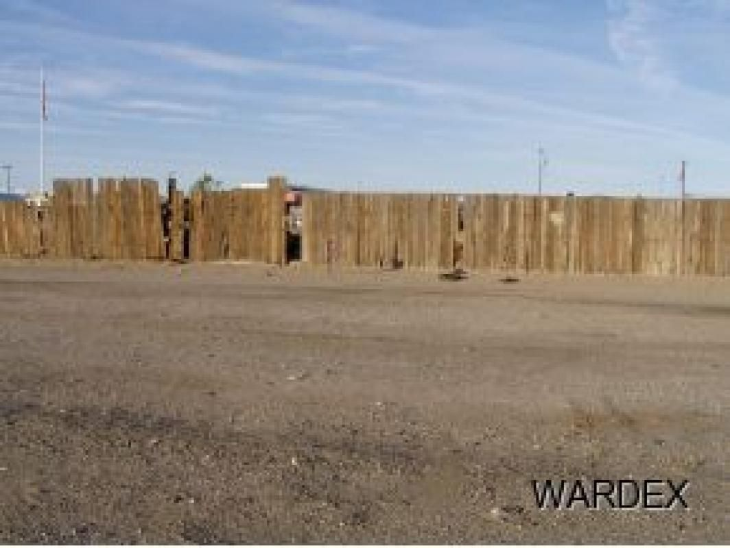 For industrial use are these 3 lots located in the town of