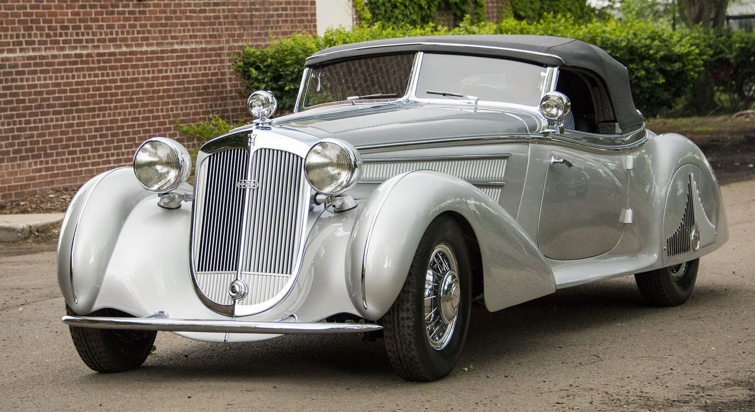 Packard Panther Horch 853 Take Best In Show At Greenwich