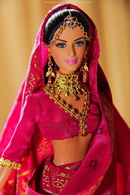Katrina Kaif Barbie Doll in Saree en 2020 | Maquillaje ...