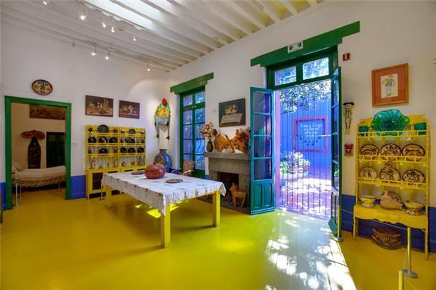 La Casa Azul Museo Frida Kahlo Caribbean Decor Frida Kahlo Frida And Diego