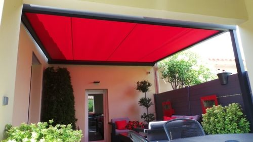 pergola sur mesure store enroulable pergola pergola designs outdoor decor. Black Bedroom Furniture Sets. Home Design Ideas
