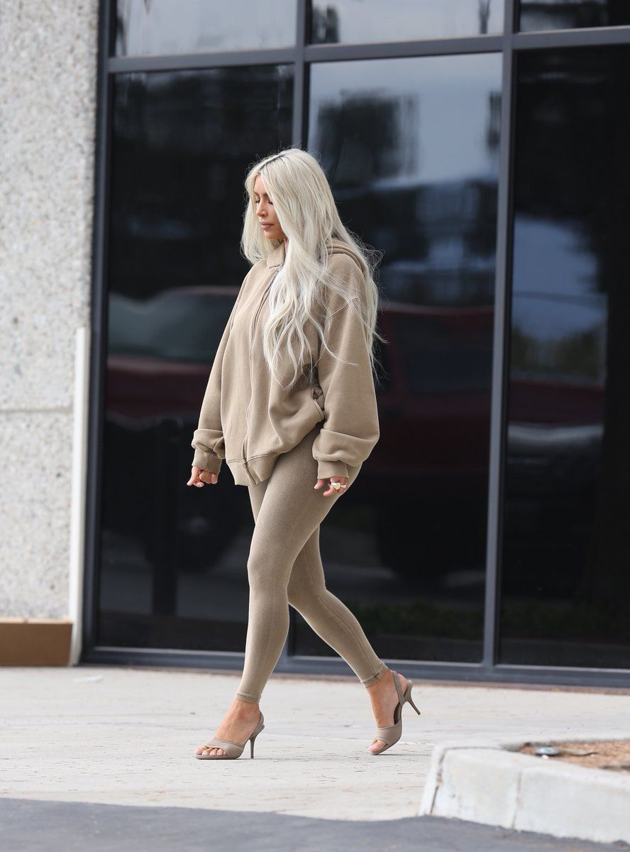 "ebd37d8105 kuwkimye  ""Kim out in Los Angeles"