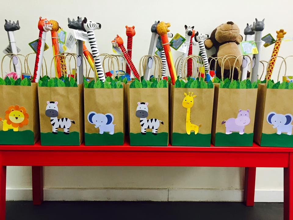 Jungle themed birthday party with DIY goodie bags and party favors