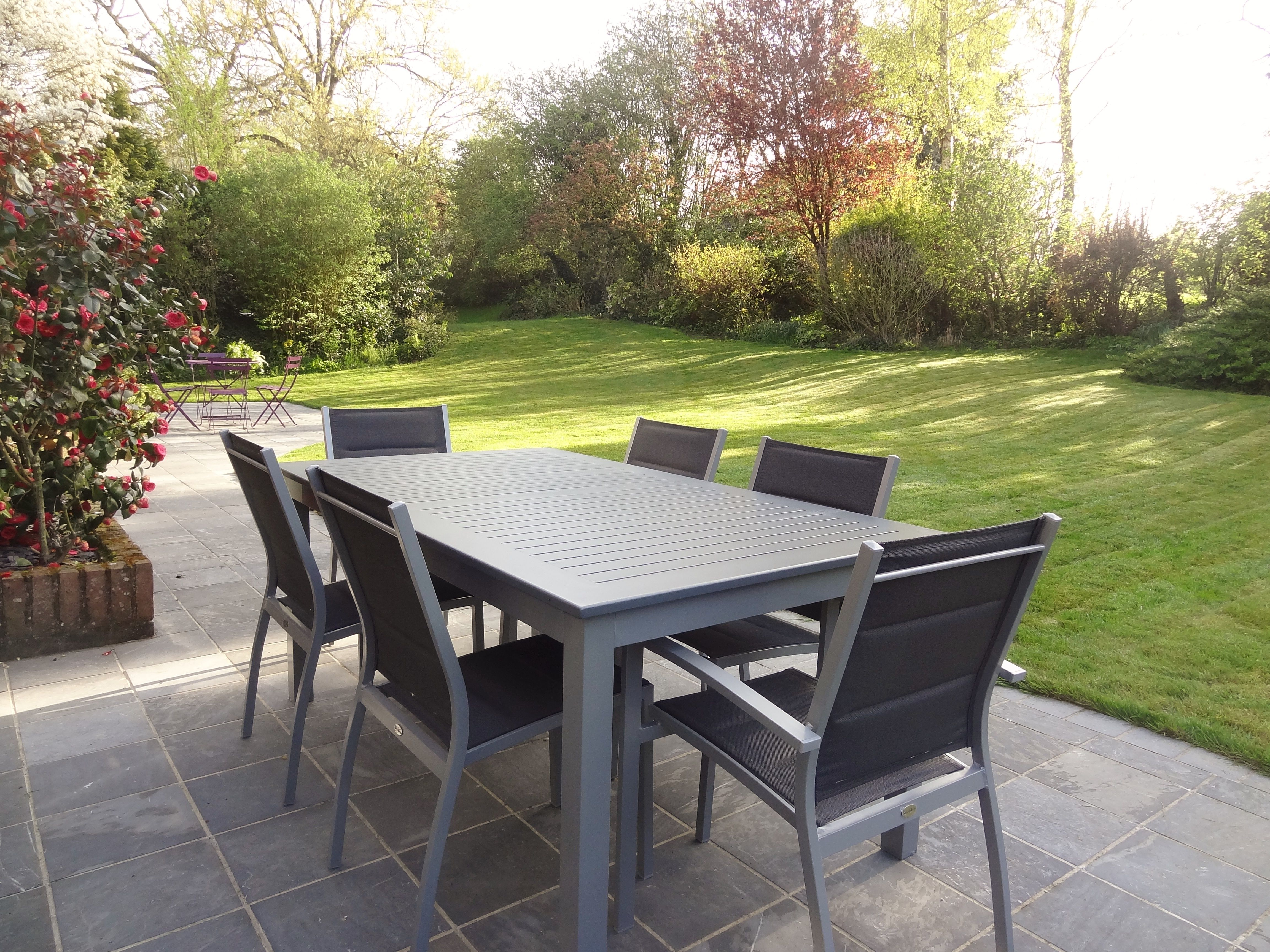 Salon De Jardin Table Extensible Chicago 210 Gris Table En Aluminium 150 210cm Avec Rallonge Et 6 Assises En Textilene Table De Jardin Mobilier Jardin Table Salon De Jardin