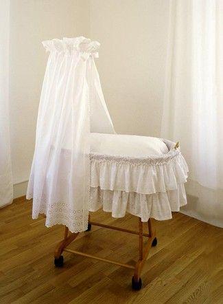 Elegant burda style n hen Schnittmuster Baby Erstausstattung Wiegen Himmel Kissen Himmel und Korbbezug f r eine Wiege bzw einen Stubenwagen in zwei