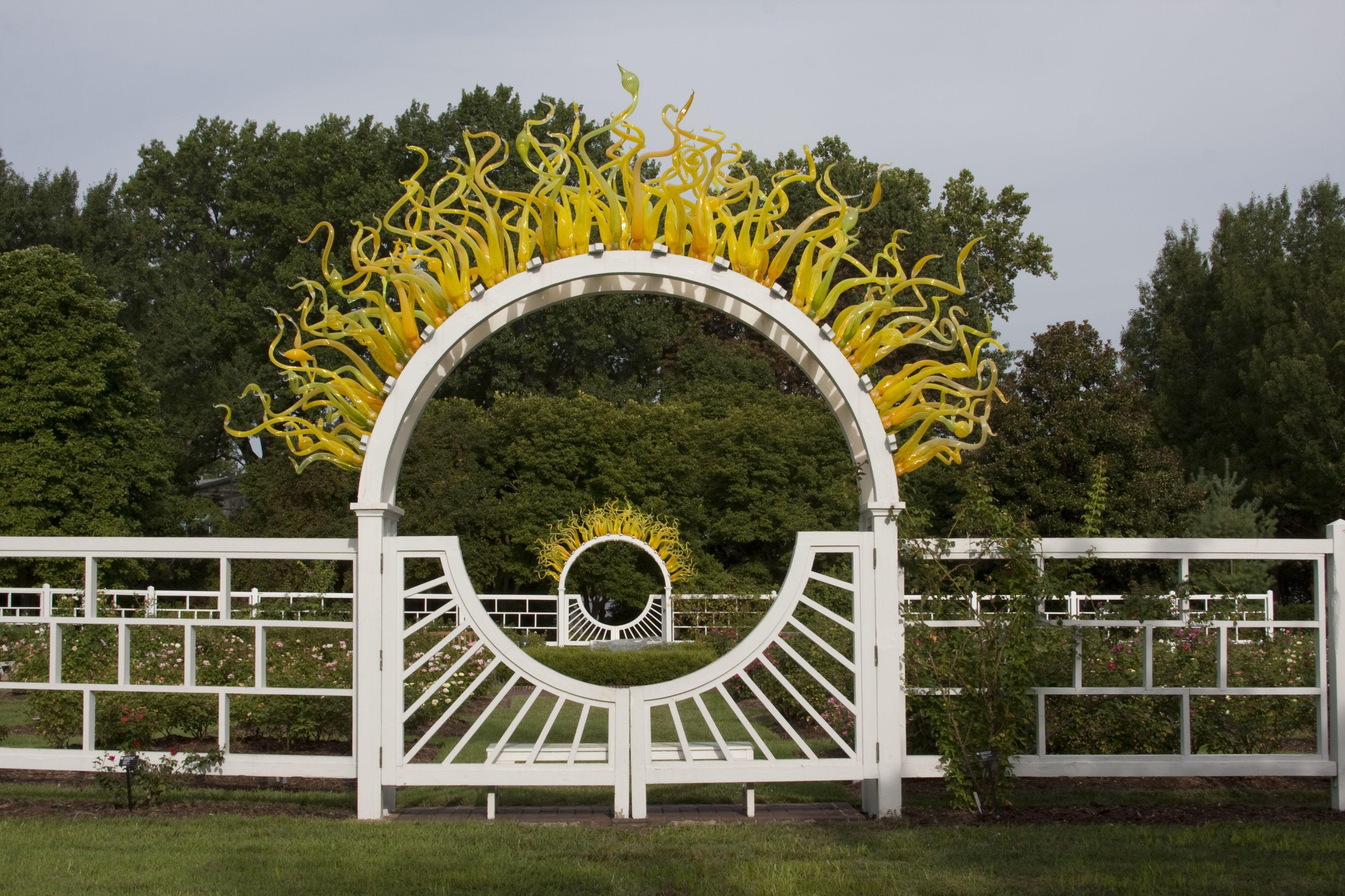 ffefffa21a72574d1e6d5057a35e05ae - Dale Chihuly St Louis Botanical Gardens