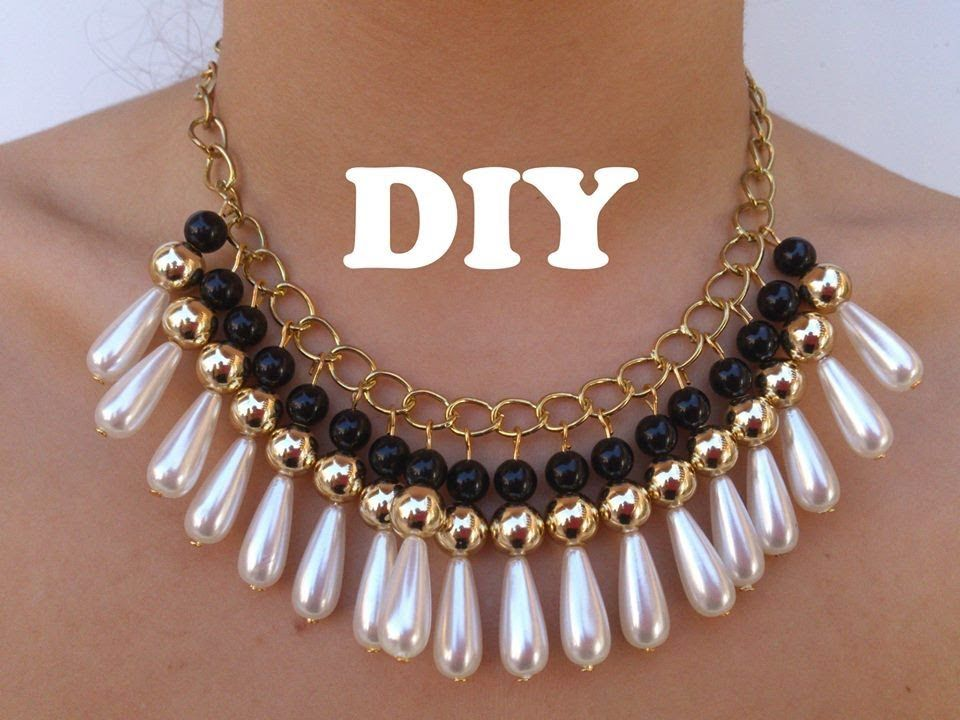8ba3c15d304f DIY Necklace Collar muy de moda (in spanish). DIY statement collar with  pearls.