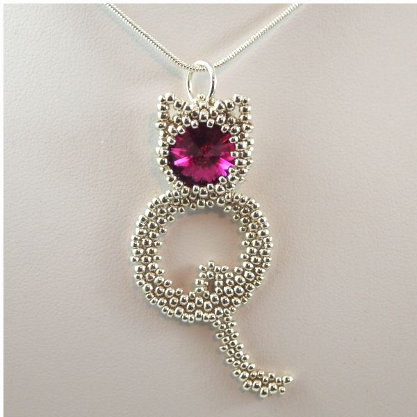 Necklace I made for one of my cat loving friends. Design by Sandra Scholte - den er smuk og sjov kat - skal laves 1. prioritet