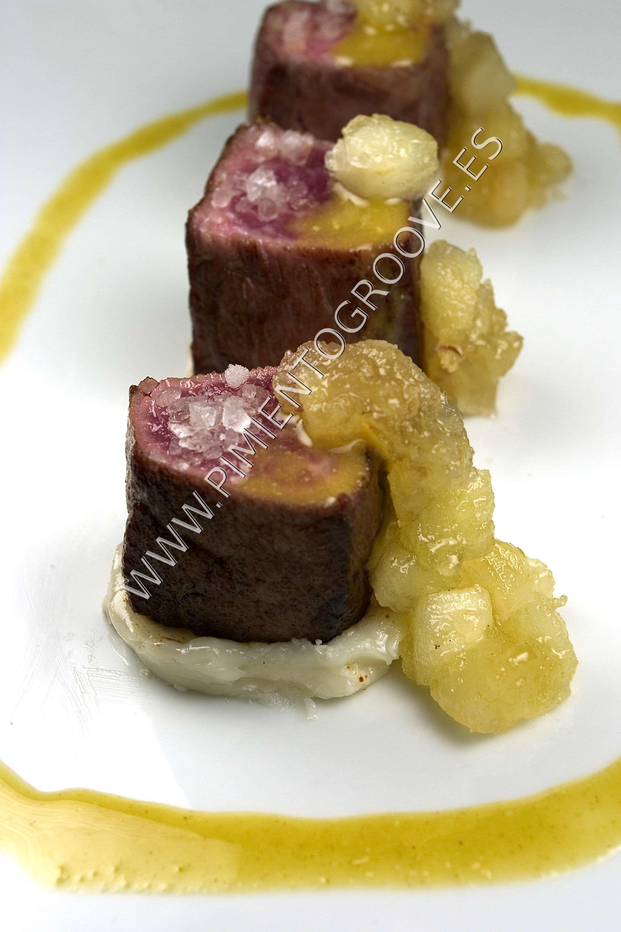 Cocinar Presa Iberica | Presa Iberica Con Queso De Cabra Manzana Caramelizada Y Aceite De