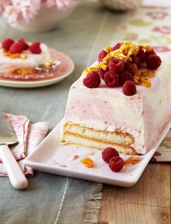 10 best summer dessert ideas - Frozen raspberry trifle #summer #desserts #icecream