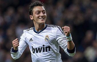 Özil podrá jugar la final de Copa