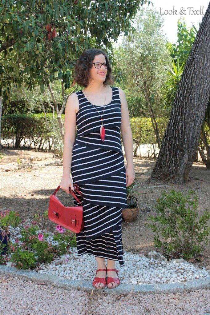 Look 'tendencia marinera' http://lookandtxell.com/blog/2015/07/look-vestido-marinero/