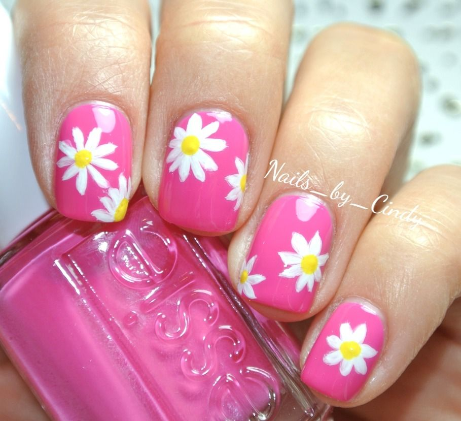 Pin By Julie Martell On Fancy Fingers Daisy Nails Spring Nail Art Nail Art